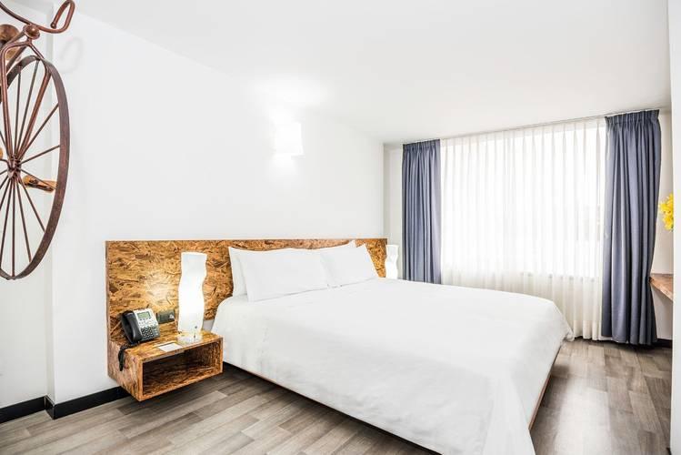 Habitación city apartments viaggio studios bogotá