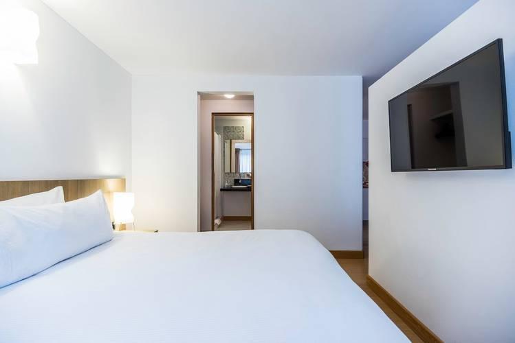 Room viaggio virrey city apartments bogotá